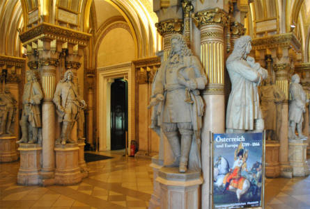 The Museum of Military History in Vienna is located in a historical building which in itself has a lot of interesting things to see - like these marble statues just inside the entrance.