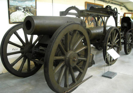Some large vintage canons displayed  at the Royal Armed Forces Museum in Brussels.