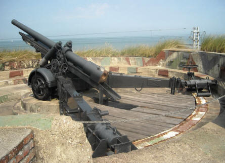 One of the many huge World War II canons at the Raversijde Domain (Atlantic Wall museum) at Oostende. This canon is a Belgium built 12 cm K370 canon.