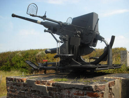 One of the many German World War II anti-aircraft guns at the Raversijde Domain (Atlantic Wall museum) at Oostende.