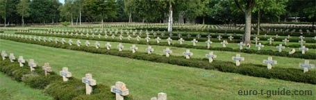 Lommel German War Cemetery - Belgium - World War I - Solidiers - War graves - Memorial - European Tourist Guide - euro-t-guide.com