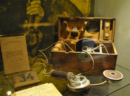 World War I communication equipment displayed at the Memorial Museum Passchendaele 1917.