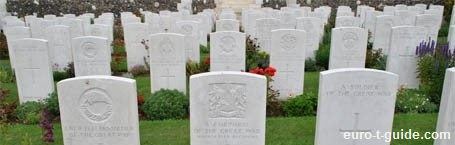Tyne Cot War Cemetery - Zonnebekey - Ypres - Belgium - World War I - Solidiers - War graves - Memorial - European Tourist Guide - euro-t-guide.com