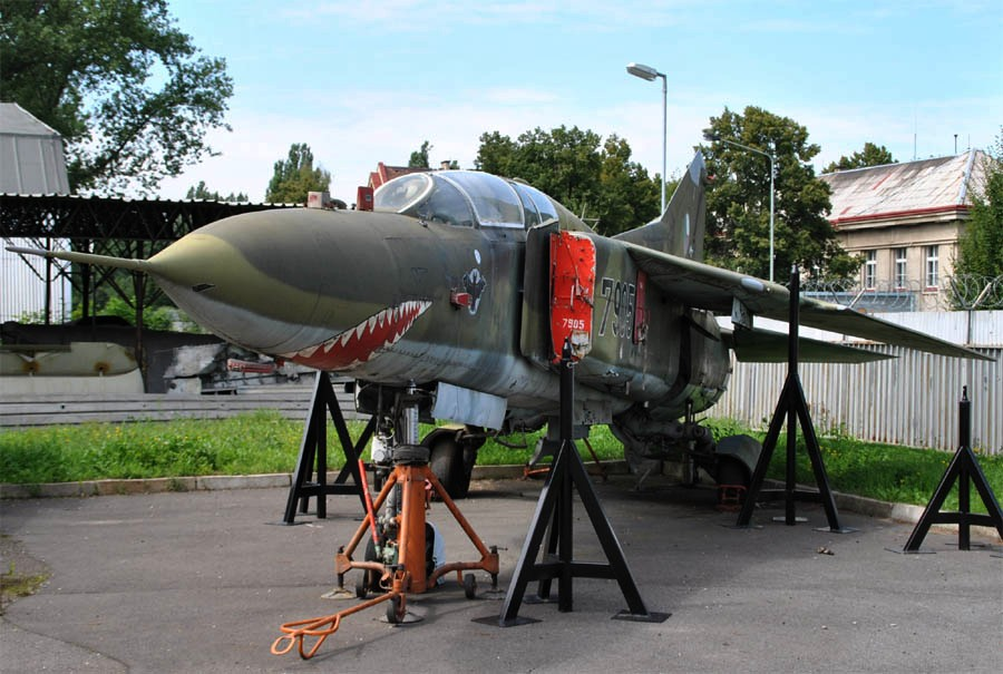 mig 23 meet her at the