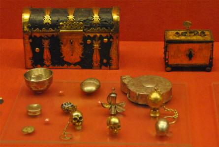 Some of the many ancient and historical gold items displayed at the main branch of the Danish National Museum.