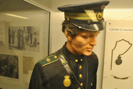 A 1940's Danish police uniform displayed at the Aarhus Occupation Museum.