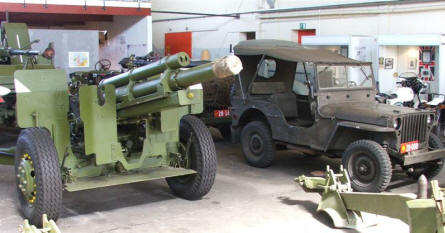 A gun and a Willys jeep used by the Danish Army