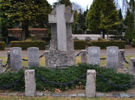 British World War I graves at the Frederikshavn War Cemetery.