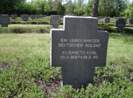 The grave of an unknown German soldier and a known German refuge at Grove War Cemetery.