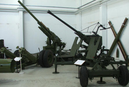 Anti-aircraft guns at Varde Artillery Museum.