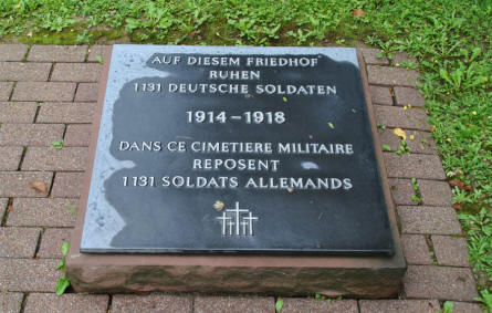 A stone at the Épinonville German War Cemetery telling that this cemetery holds 1,191 German war graves.