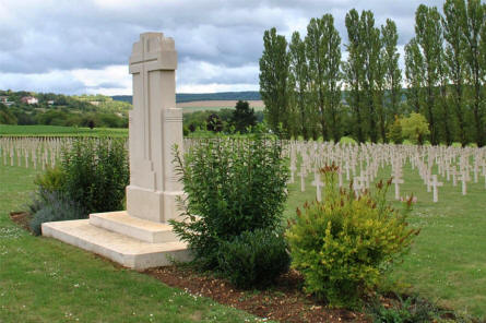 A memorial cross at the Verdun-Bevaux French Cemetery in Verdun.