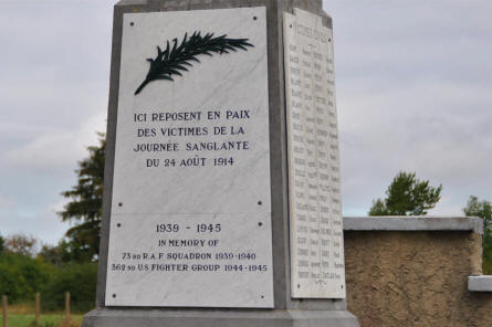 The text on the combined World War I and World War II memorial near the air force base at Rouvres-en-Woëvre (north east of Verdun).