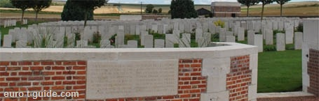 Bray Military Cemetery - Bray-sur-Somme - Albert - France - World War I & II - Memorial - European Tourist Guide - euro-t-guide.com
