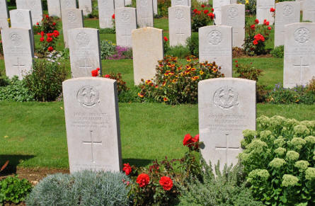 The World War I grave of Conductor D. Murray (killed 12th of June 1917) at the Faubourg-d'Amiens Cemetery in Arras.