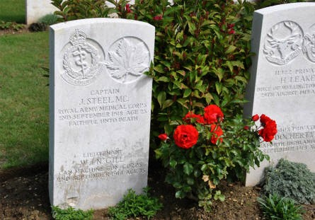 The double World War I grave of Captain J. Steel and Lieutenant W. J. N. Gill (both killed on the 2nd of September 1918) at the Vis-en-Artois British Cemetery.