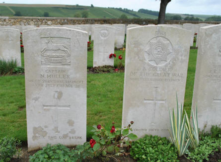 "The World War I graves of Captain N. Muller (killed on the 28th of July 1918) and ""A Soldier of the Great War"" at the Chambrecy British Cemetery."