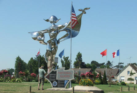 A rather special National Guard D-day memorial can also be found at the D-day coast.
