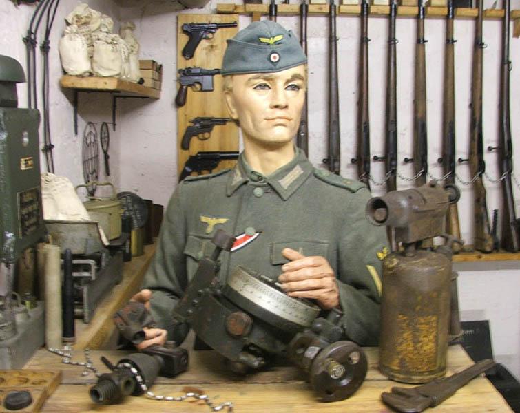 Les musées en Normandie et  du Nord de la France Le_Grand_Bunker_2006_Weapons