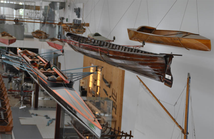 Many Types of Rowing Boats