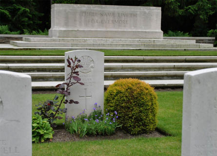 A part of the World War I memorial at the Hamburg War Cemetery.