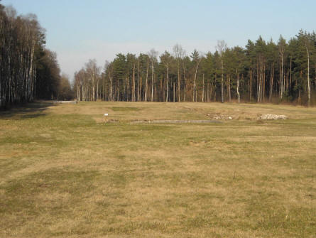 There are no houses left at the Bergen-Belsen POW & KZ Camp. Only the open spaces that was once the centre of the camp.