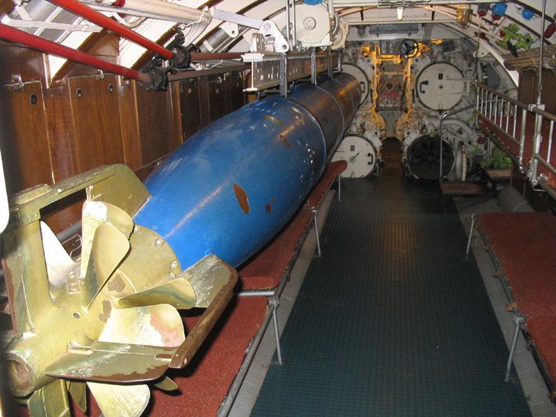 Felicidades alcaloi U-995_Laboe_2004_05