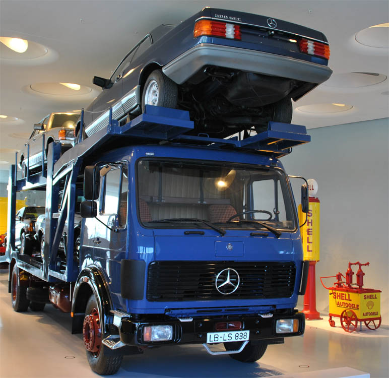 mercedes benz museum euro t guide germany what to. Black Bedroom Furniture Sets. Home Design Ideas