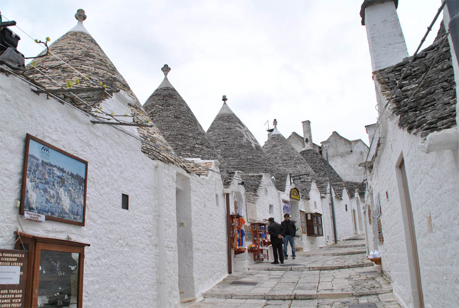 Trulli houses alberobello euro t guide italy what to for 1 homes in italy